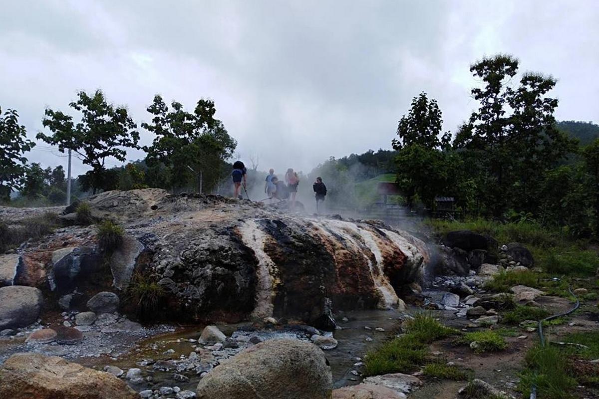 muang paeng hot springs, muang paeng hot spring, muang pang hot springs, muang pang hot spring