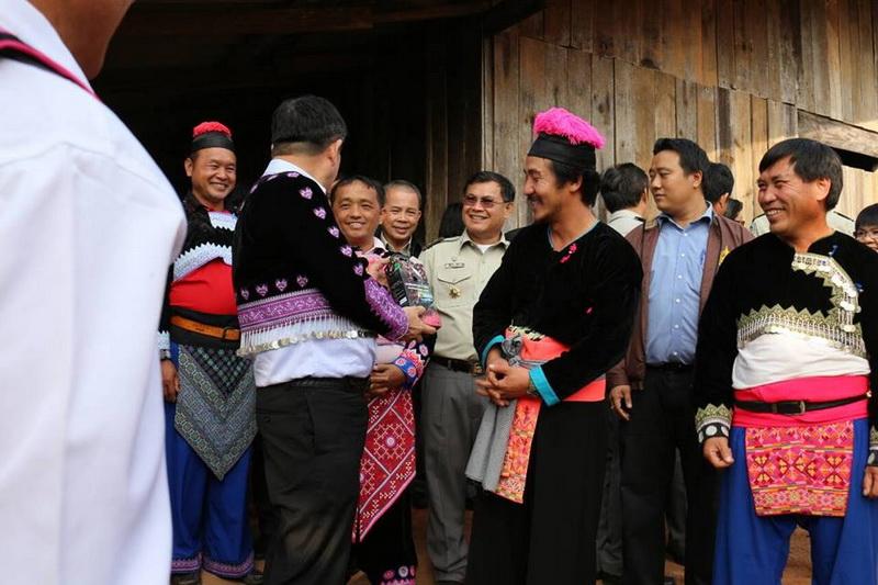 hmong people, hmong, hmong hilltribe, hmong trible